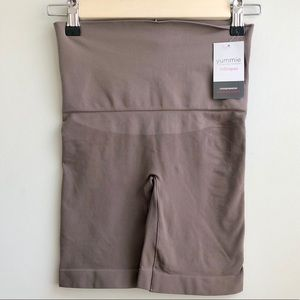 Yummie Tummy   NWT Harlo Shorts